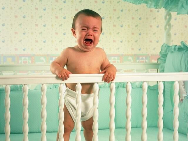 Малыш плачет перед сном