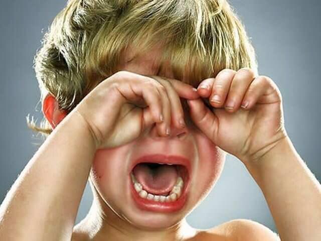 Сильнейшая истерика у ребенка