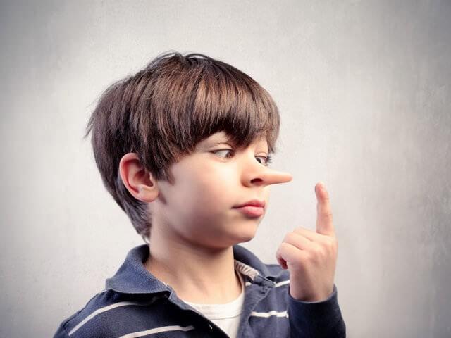 Мальчик с длинным носом