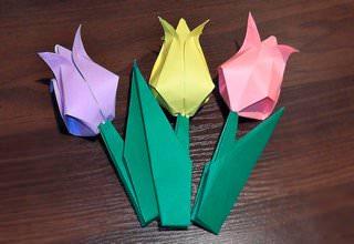 Разноцветные тюльпаны из бумаги