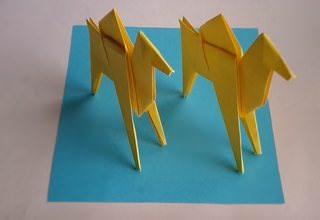 Бумажные верблюды