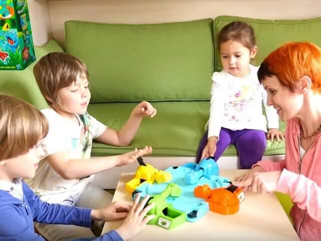 Игры детей и взрослых