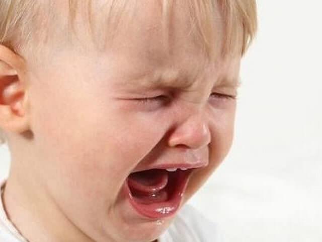 Малыш кричит