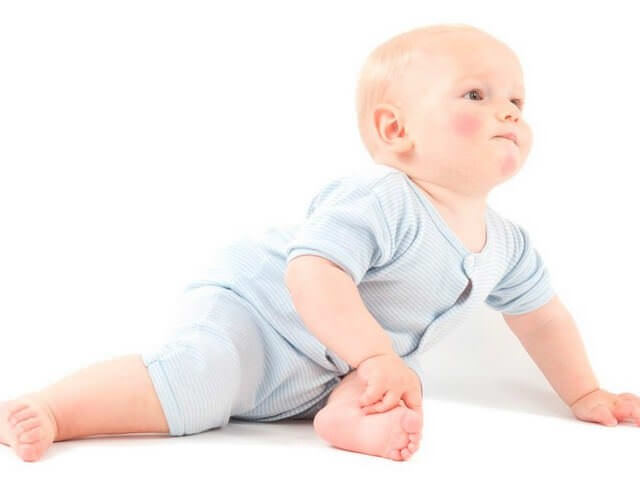 Малыш с румяными щечками