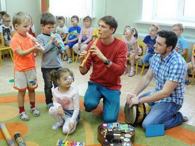 Групповые занятия музыкой