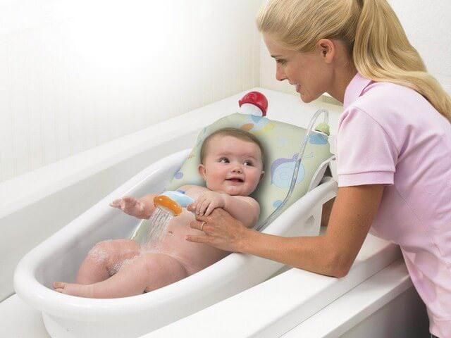 Мытье ребенка