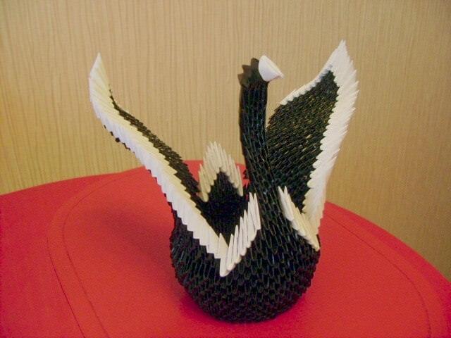 Бумажный <strong>модули оригами полегче</strong> лебедь