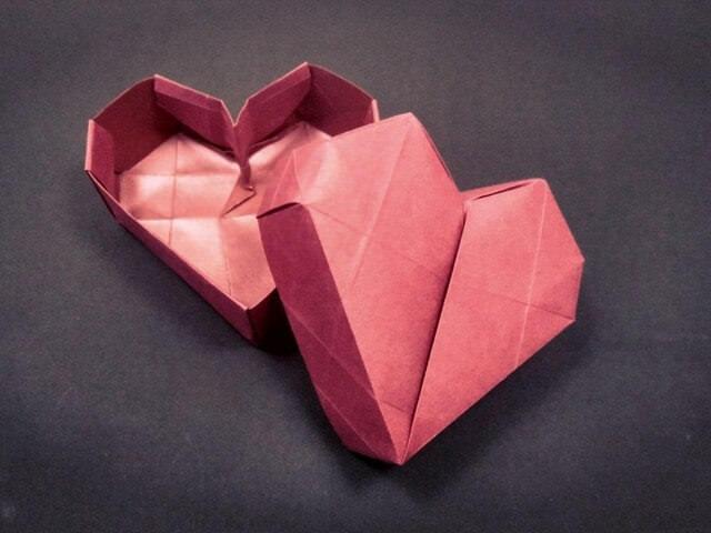Бумажная коробочка