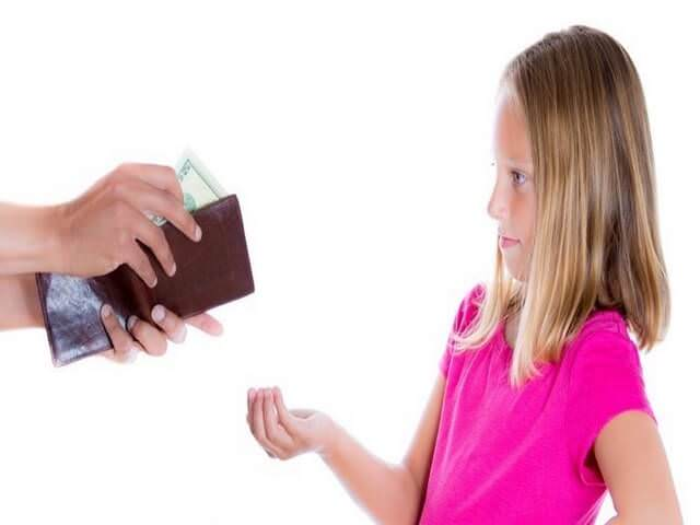 Девочка просит денег