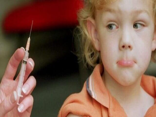 Прививка для взрослого ребенка